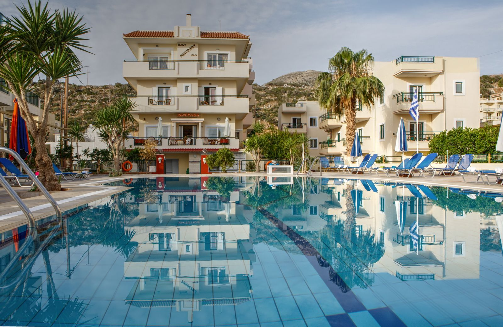 Panorama Hotel and Apartments in the center of Stalis - Crete